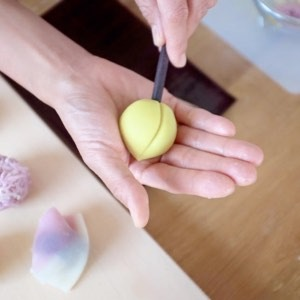 Wagashi making